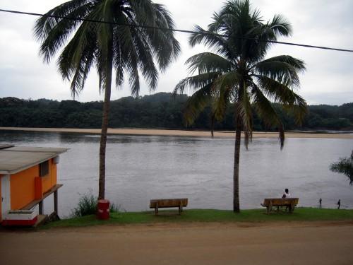 Njolé - vue sur le fleuve depuis l'hotel