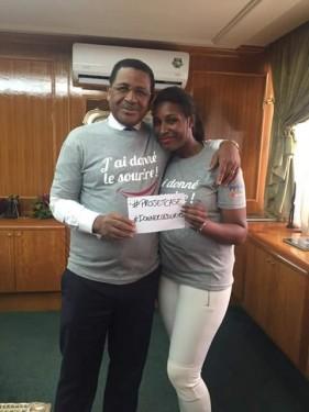 Le Premier Ministre Daniel Ona Ondo et sa fille ont volontairement participé au projet